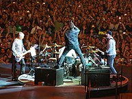 193px-U2_360_at_Cowboys_Stadium.jpg