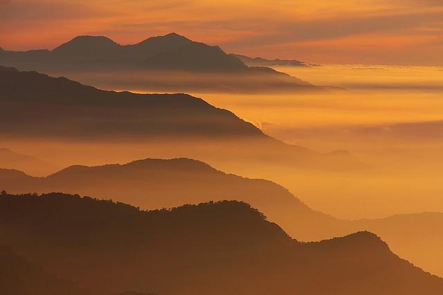 霧の夕暮れ