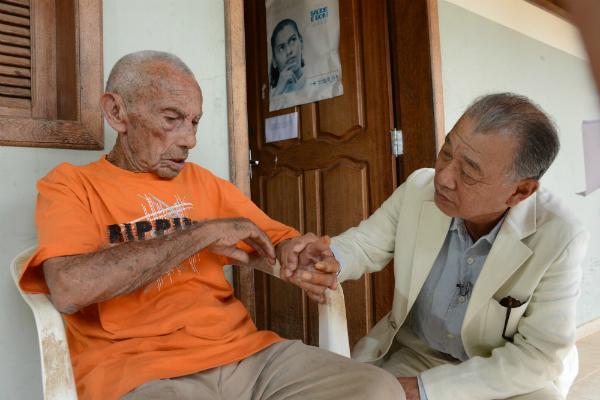 ハンセン病患者を激励=2013年ブラジルで